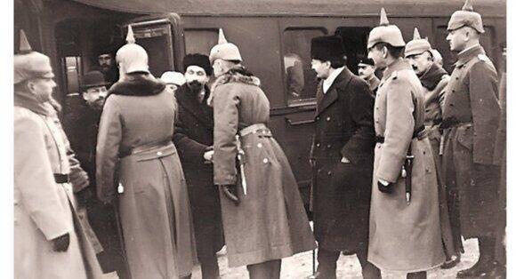 Советская делегация в Бресте