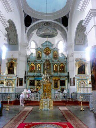 Внутреннее убранство Свято-Успенского собора