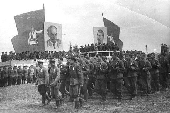 10 Парад белорусских партизан в Минске